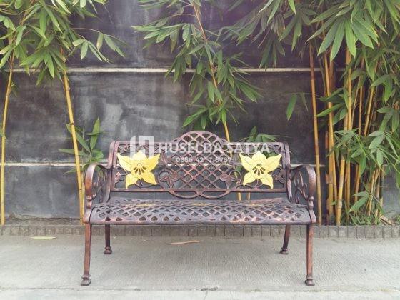 kursi taman cor besi ornamental